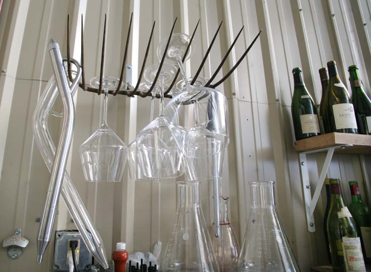 1arnot_roberts_glasses_rack