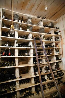 1la_promenade_bourgueil_wine_cellar