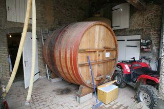 1descombes_wooden_vat_foudre