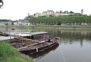 1chinon_loire_river