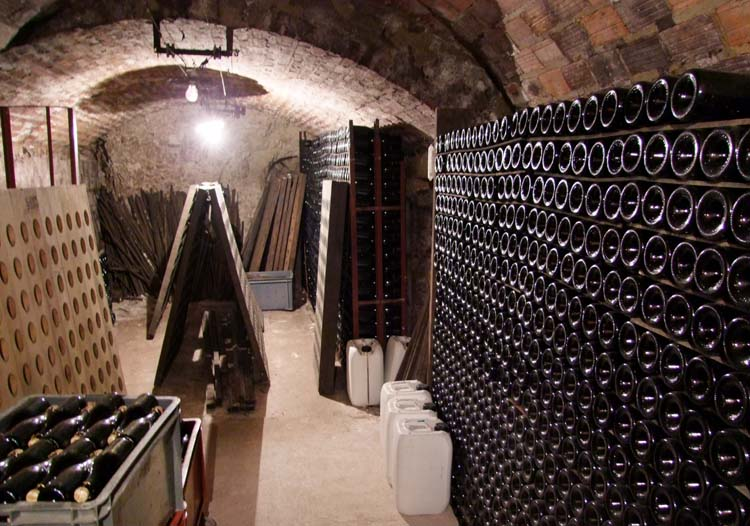 1geoeges_laval_bottle_wall_cellar