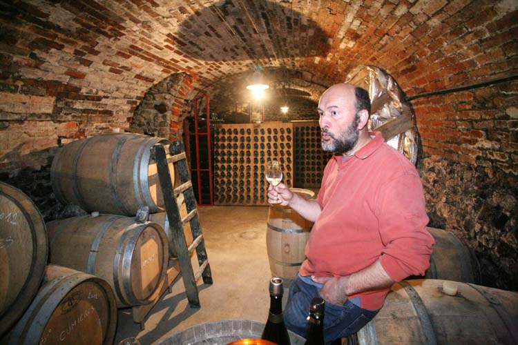 1geoeges_laval_vincent_tasting_in_cellar