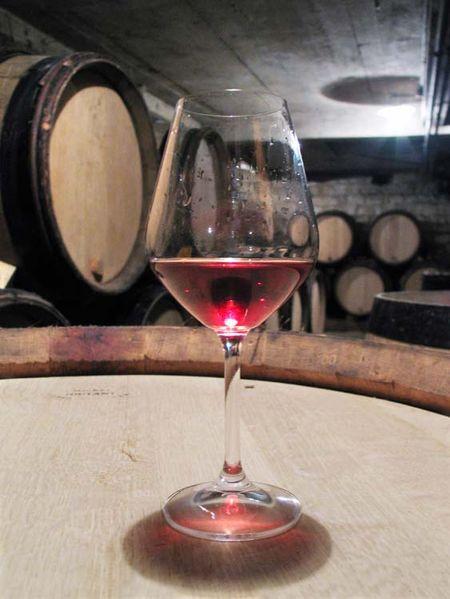 1emmanuel_giboulot_red_glass_cellar