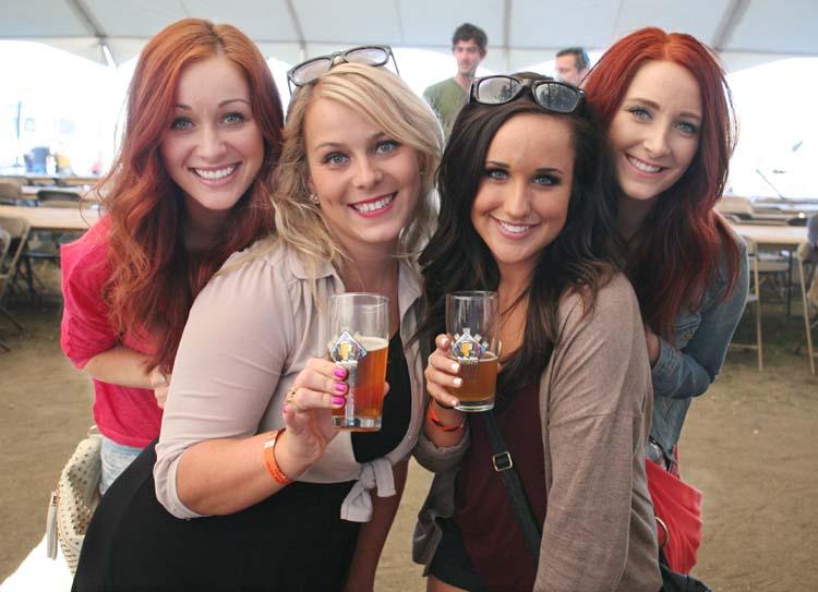1portland_beer_festival_cool_gals