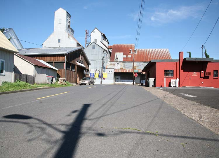 1carlton_oregon_grain_storage_silos