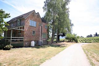 1brick_house_newberg_brick_farm