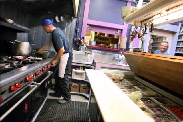 1new_sammys_bistro_kitchen_staff