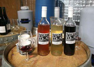 1la_clarine_rose_white_red_bottles