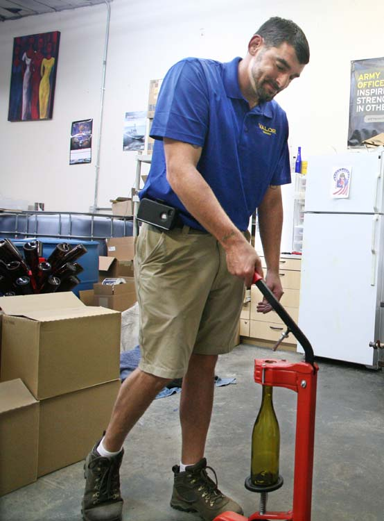 1valor_winery_jerry_corking_tool