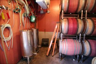 1ojai_winery_california_hoses_casks1