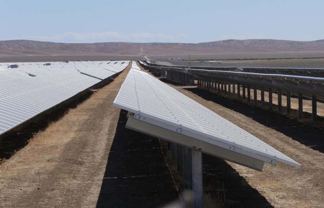 1US_petroleum_hwy_solar_oil