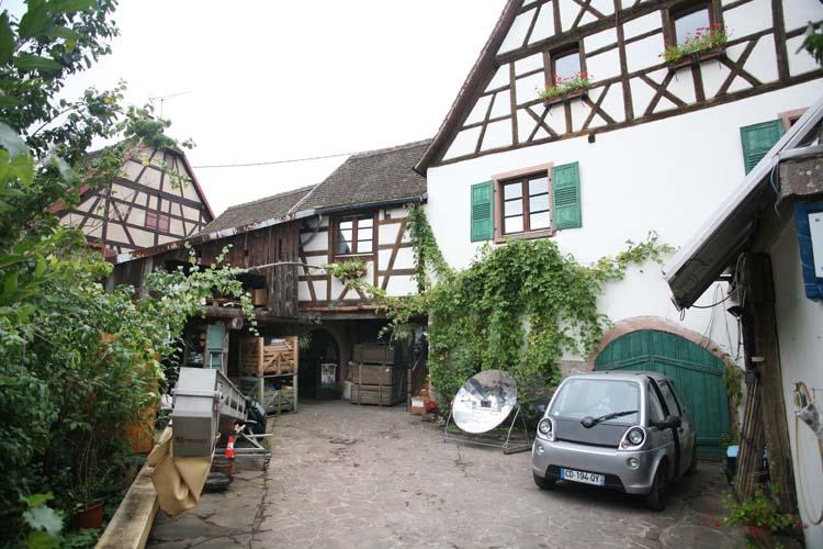 1andre_durrmann_andlau_winery_courtyard