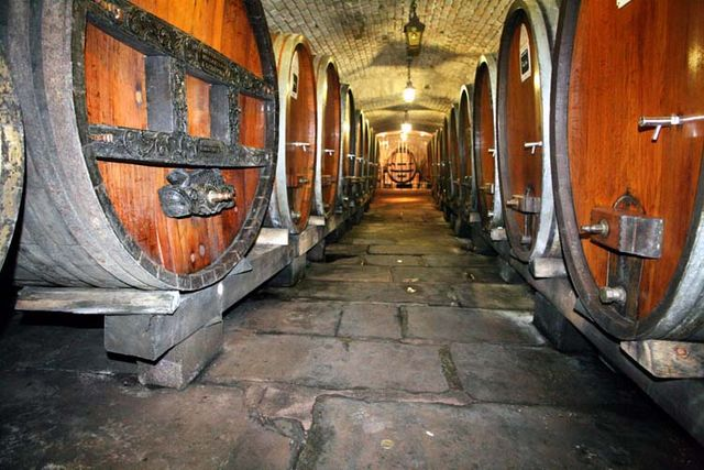 1hospices_strasbourg_oldest_wine_alley