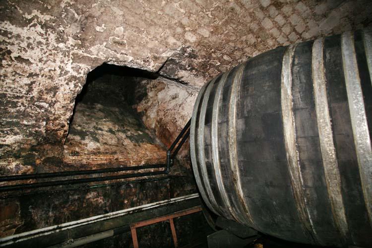 1hospices_strasbourg_oldest_wine_opening