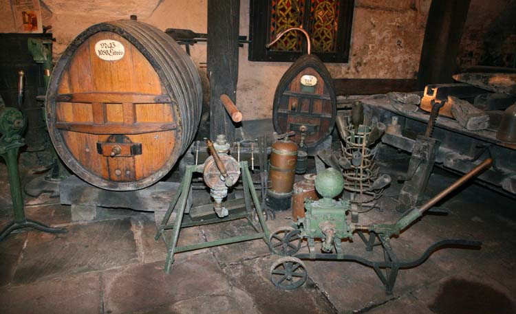 1hospices_strasbourg_winery_tools