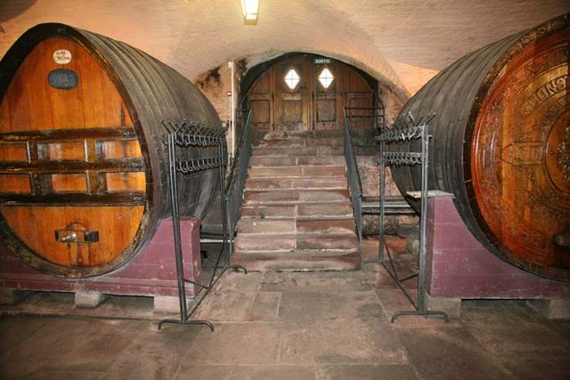 1hospices_strasbourg_oldest_wine_stairs_cellar
