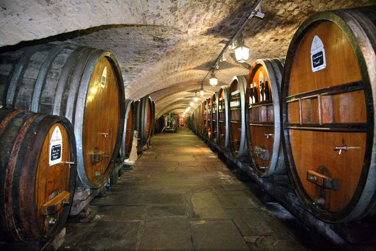 1hospices_strasbourg_oldest_wine_cellar_foudres