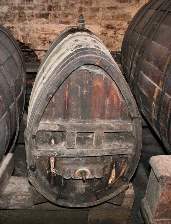 1cave_hospices_strasbourg_oldest_wine1472