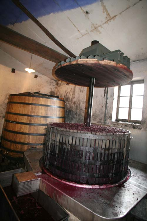 1marcel_lapierre_beaujolais_basket-press_ready