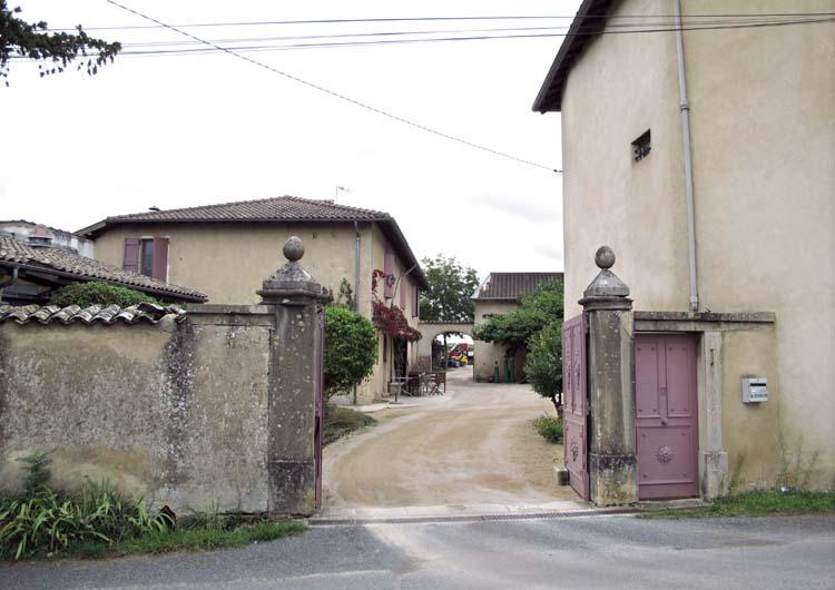 1marcel_lapierre_mathieu_winery_gate