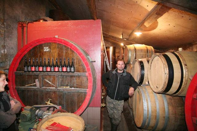 1france_gonzalvez_beaujolais_olivier_in_cellar