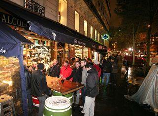 1primeurs_caves_auge_sidewalk_tasting_paris