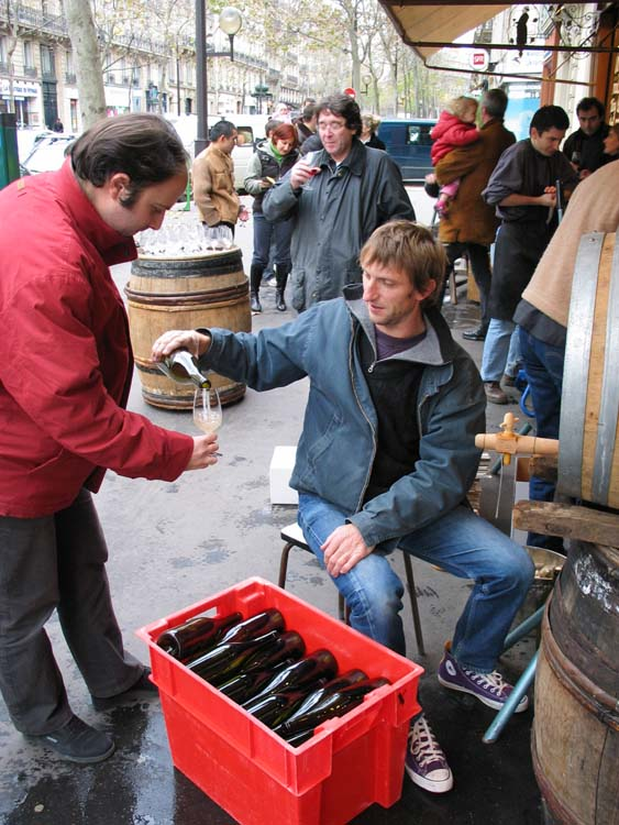 1bottling_auge2004_puzelat_filling_glass