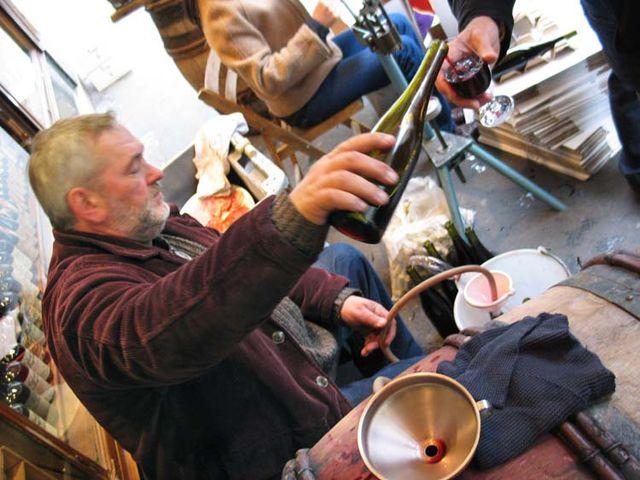 1bottling_auge2004_mosse_pouring_filling