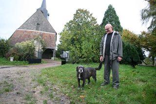 1brendan_tracey_loire_vendome_with_dog