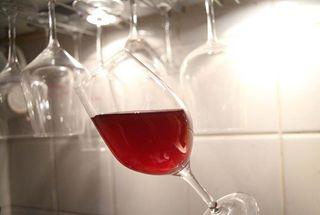 1brendan_tracey_pour_une_poignee_de_bouteilles_verre