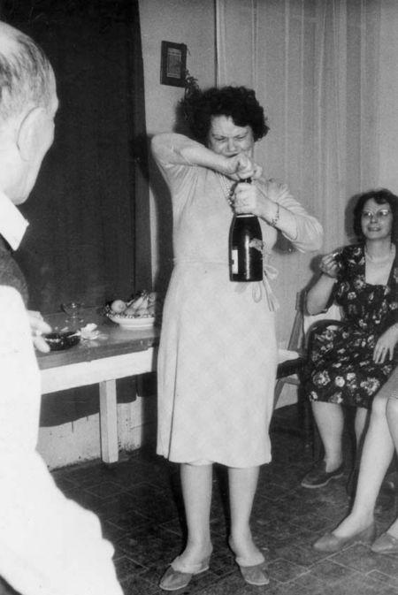 1tfemme_debouche_champagne_est1960