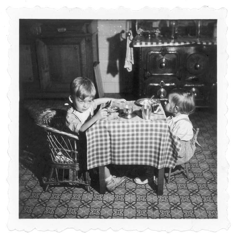 1enfants_mini_table_est1958