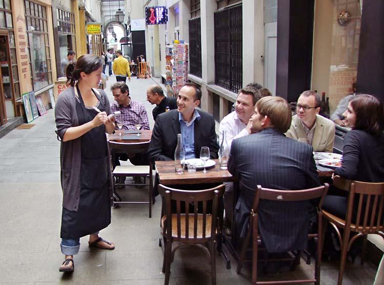 1coinstot_vino_lunch_robin2011