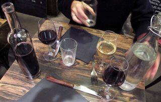 1coinstot_vino_pot_et_verre