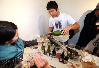 1festivin_tokyo2014_pouring_claude_courtois_wines