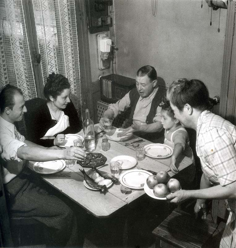 1family_lunch_water_circa1950