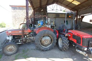 1arbre_blanc_auvergne_tractors_barn