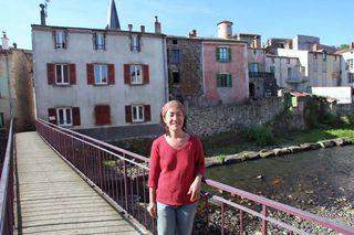 1mito_inoue_paserelle_champeix_couze_river