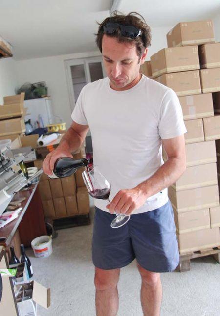 1mikael_bouges_faverolles_pouring_cot