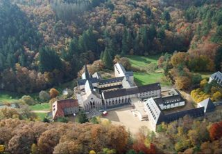 1abbaye_pierre_qui_vire_aerial