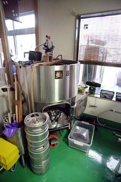 1zakkoku_micro_brewery_cuve2