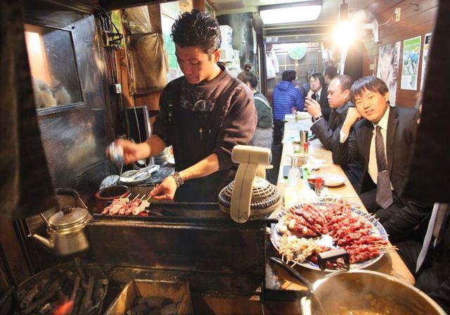 1shinjuku_piss_alley_charcoal_grill