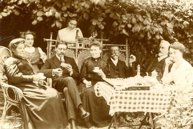 1tea_alcohol_summer_garden_est1900