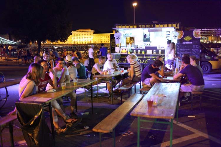 1budapest_fozdefeszt_beer_festival_ambiance