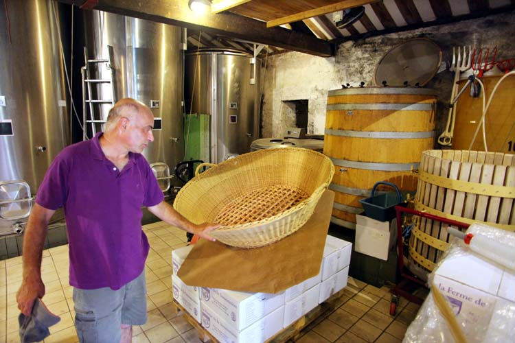 1mark_angeli_winery_destemmer_basket