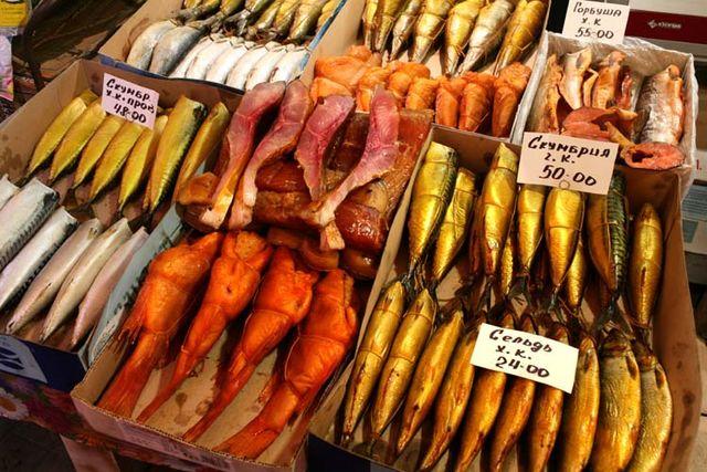 1donetsk_market_smoked_fish