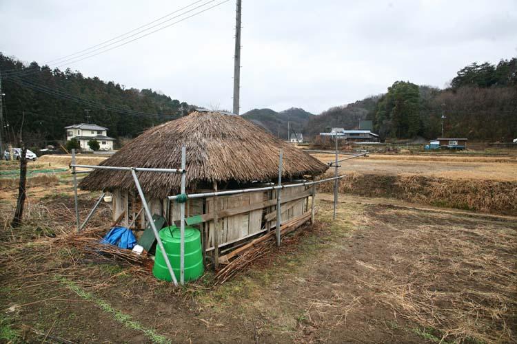 1zakkoku_micro_brewery_thatched_barn