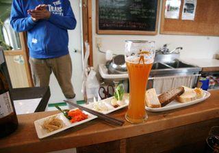 1zakkoku_micro_brewery_millet_hefe_weizen_dishes