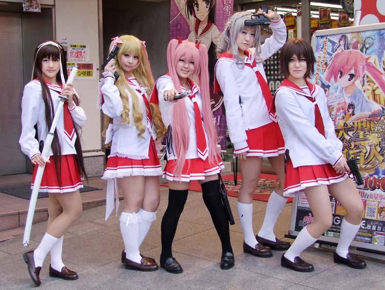 1akihabara_anime_characters