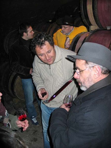 1beaujoloise2006_marcel_lapierre_pouring_cellar
